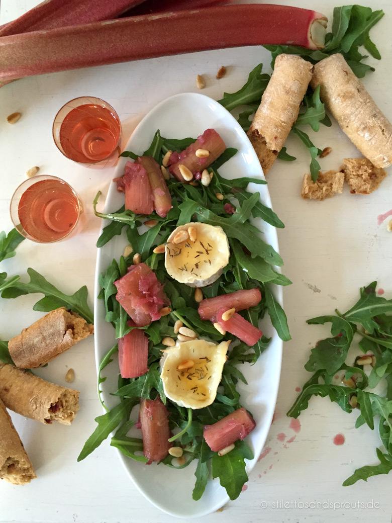 rucola salat mit gratiniertem ziegenkäse