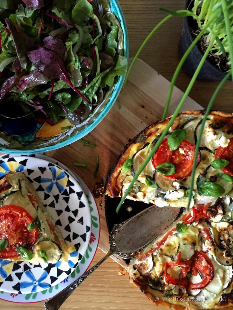 Quiche mit Zucchini und Tomaten