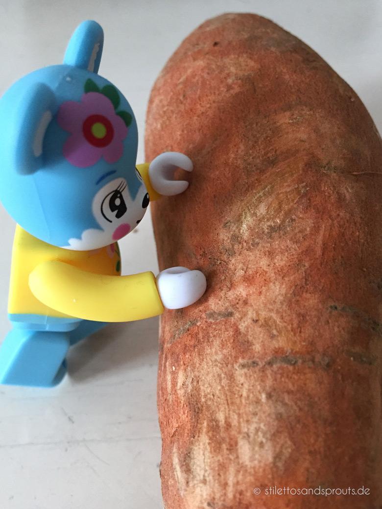 Mango-Currywurst mit Süßkartoffel-Pommes