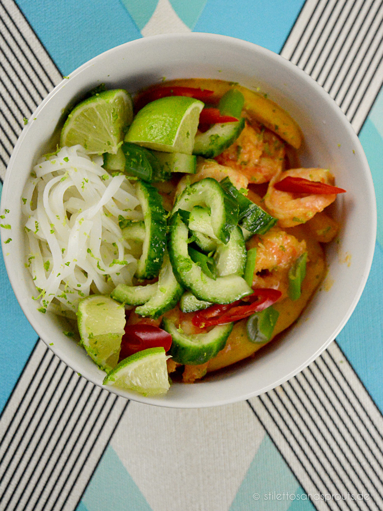 Mango Garnelen Curry Noodle Bowl