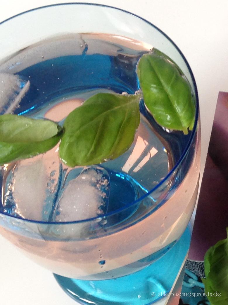 Pink_Drink_mit_Basilikum_03