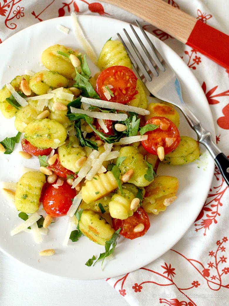 Perfekt Fürs Grillen Gnocchi Salat Mit Pesto Stilettos Sprouts