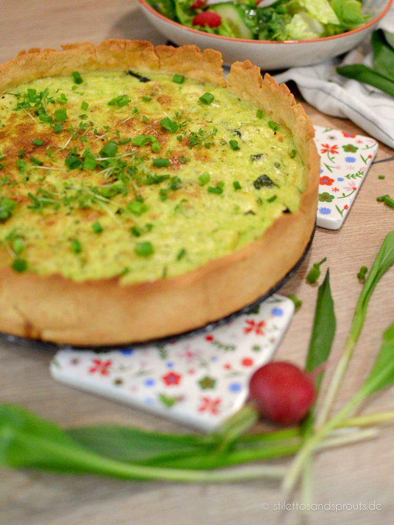 Am besten passt ein grüner Salat zur Bärlauch Quiche