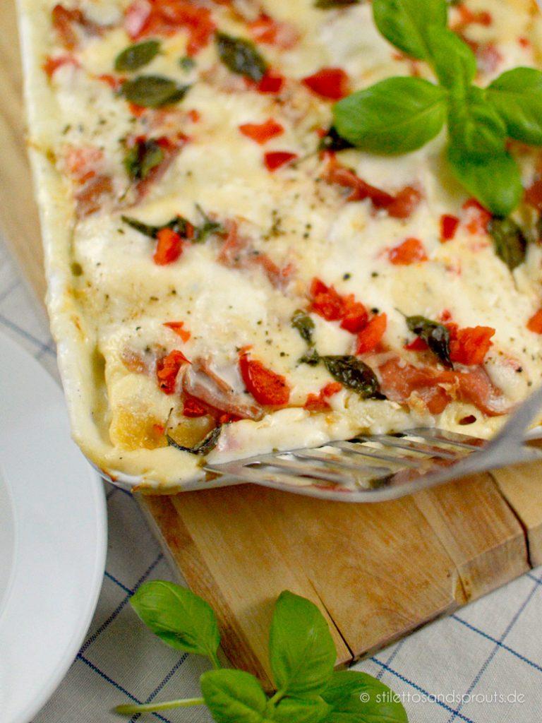 Paprika, Tomate, Basilikum und Kapern machen diese Cannelloni-Variation so mediterran und schön frisch