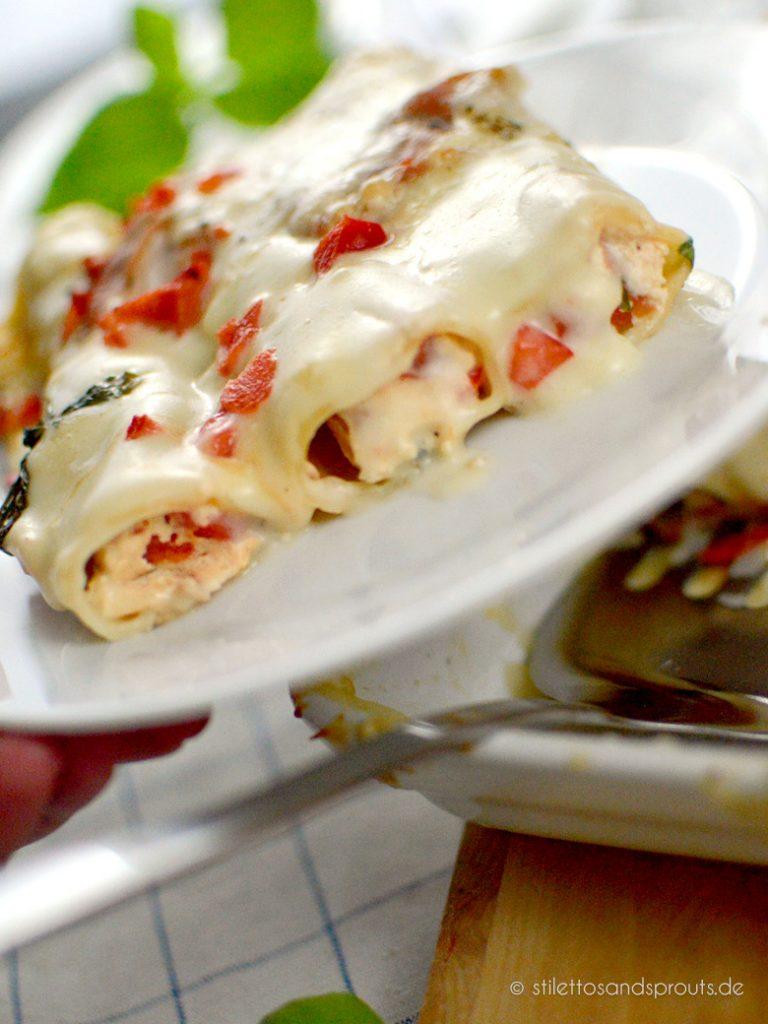 Die mit Ricotta gefüllten Cannelloni sind super cremig