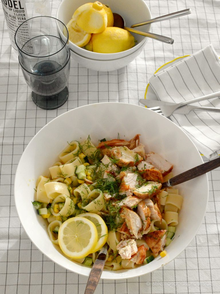 Pasta Chicken Salat mit Zitrone