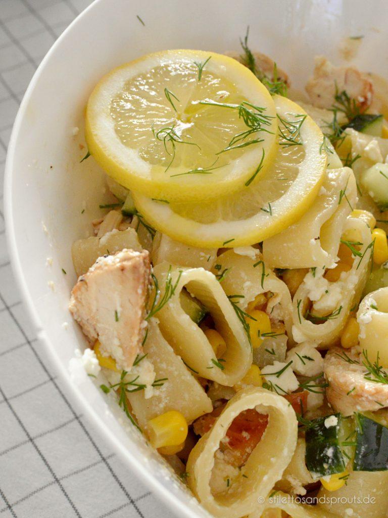 Olivenöl und Zitrone machen diesen Salat so leicht und erfrischend