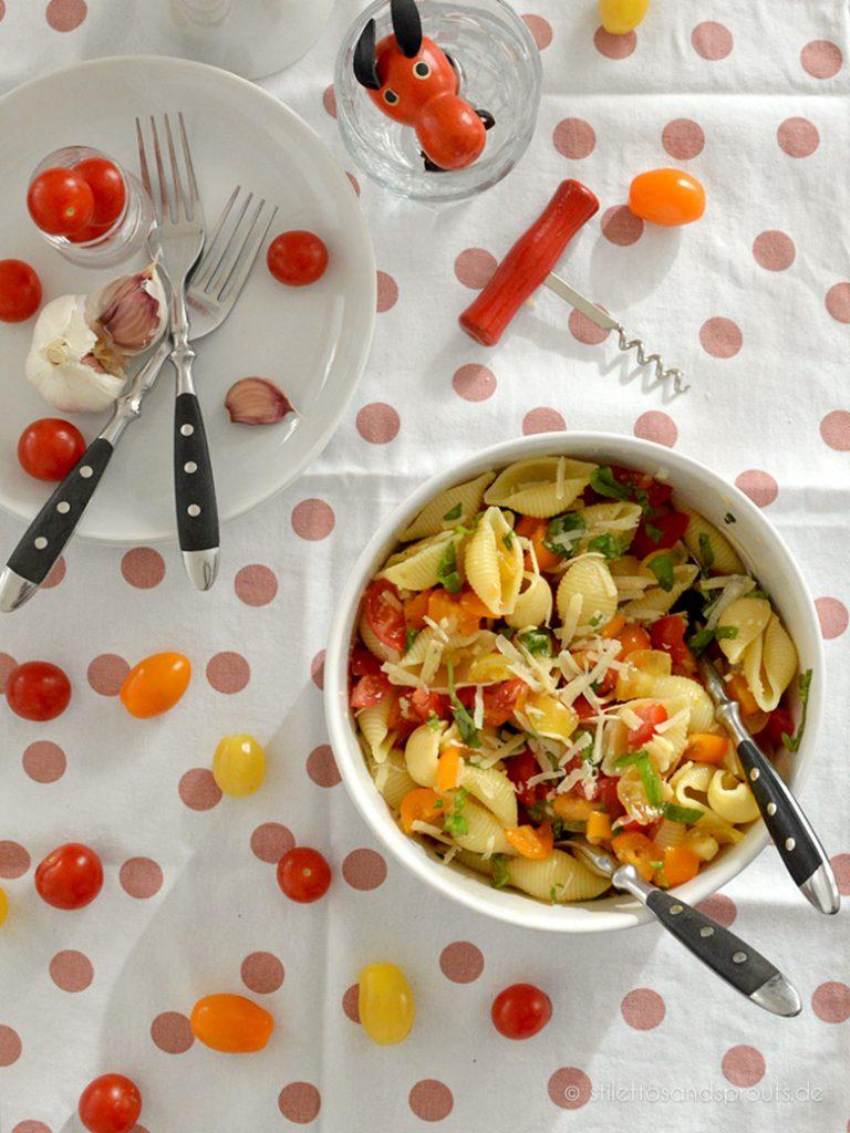 Sommerlich leichter Genuss: Tomaten Pasta Salat