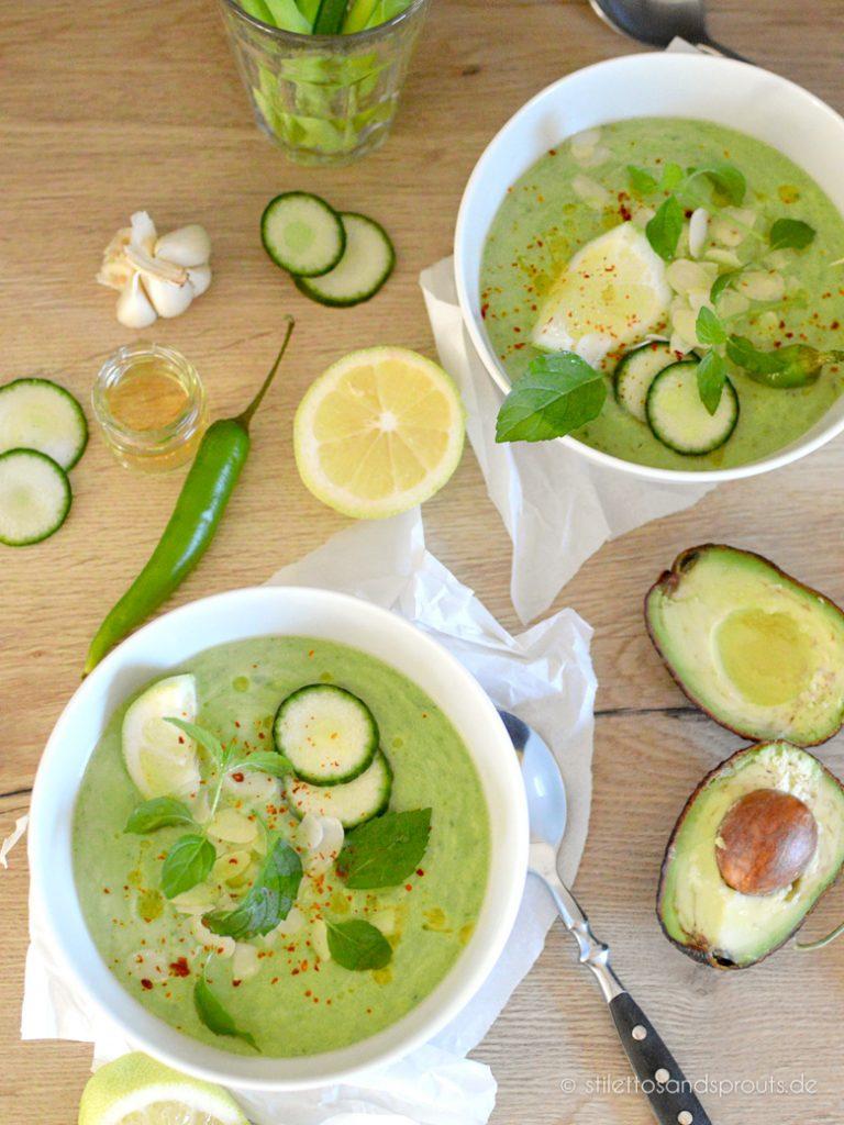 Vegane Gazpacho mit Avocado