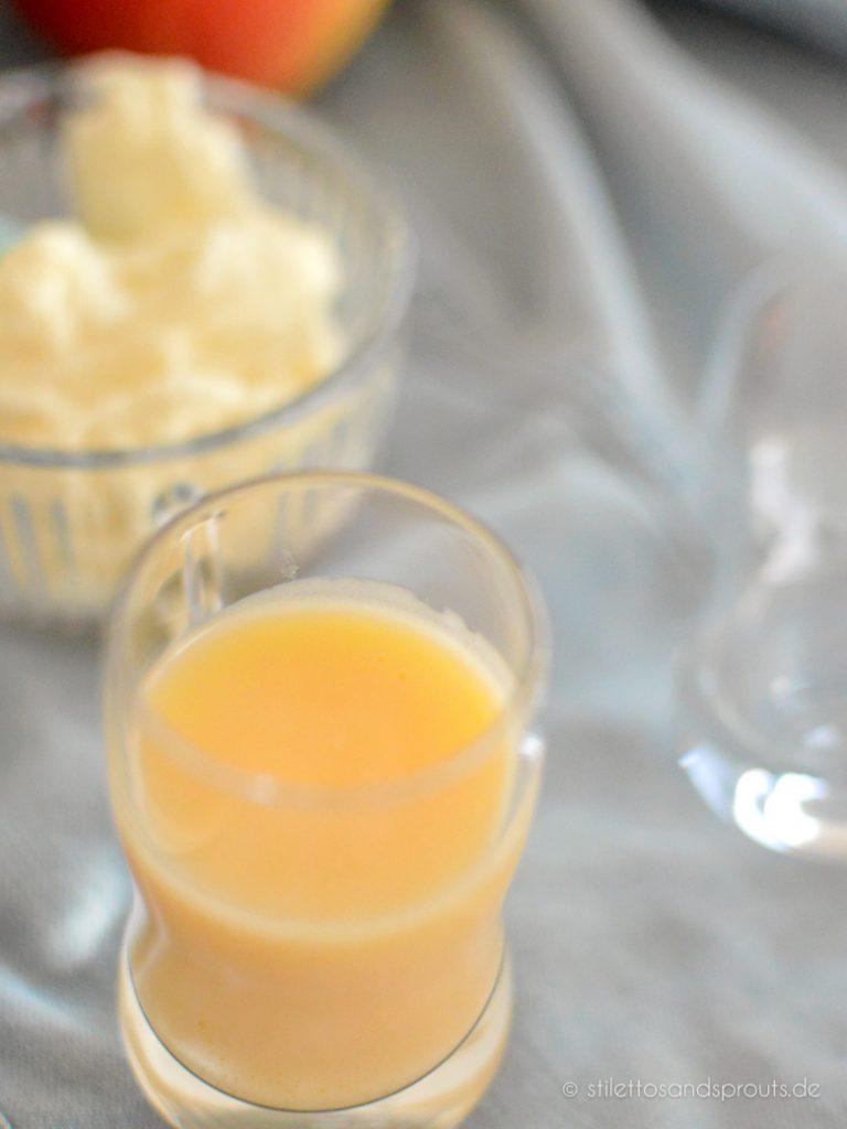 Eierlikör und Pudding kommen in den Kuchen als Backzutat