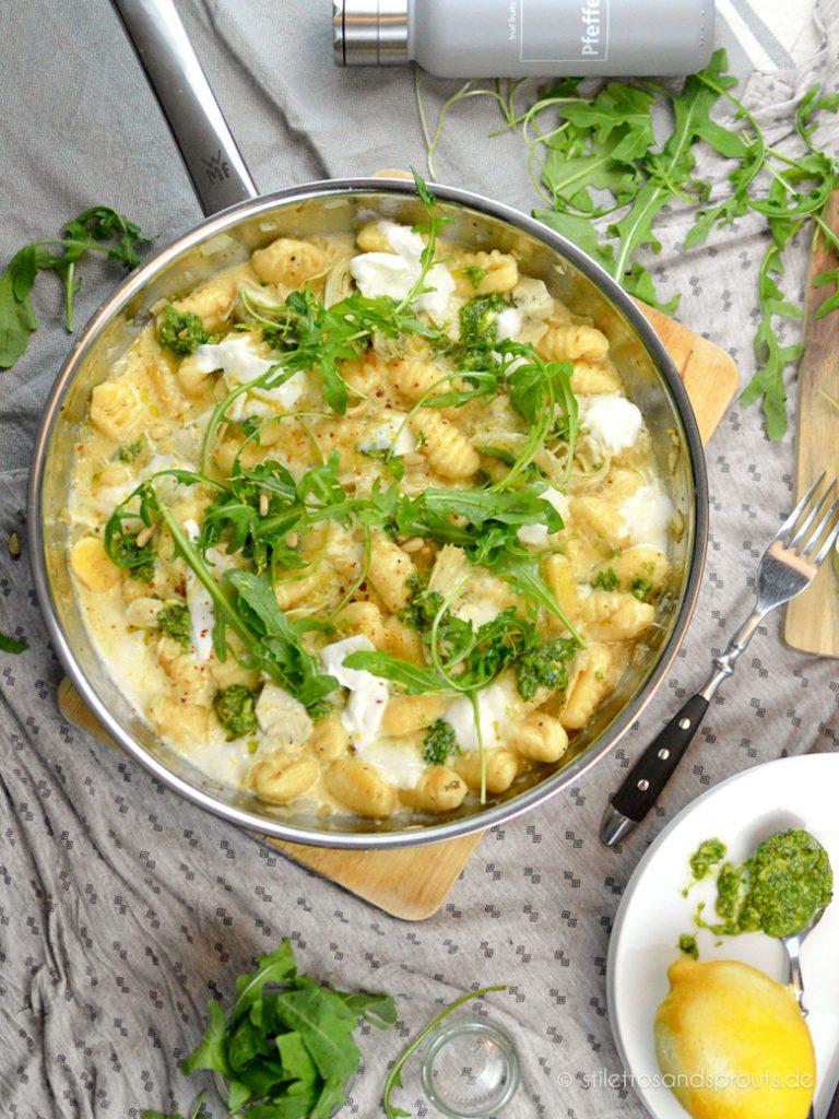 Pesto Gnocchi Pfanne mit Artischocken