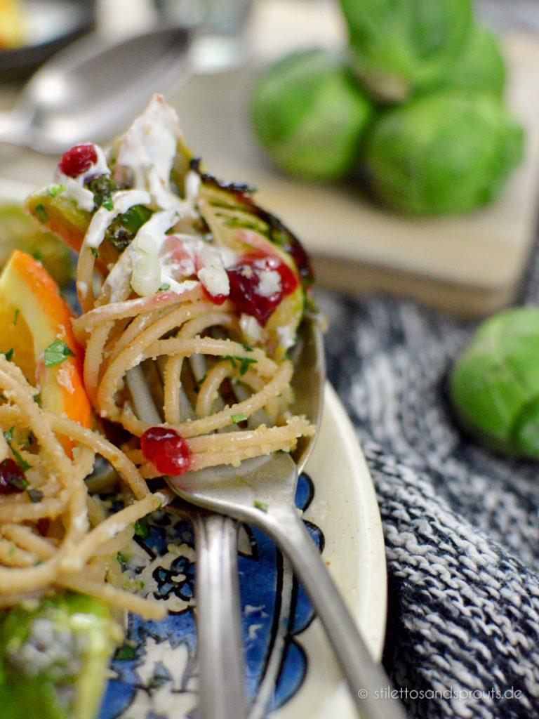 Vegetarische gesunde Pasta mit Gemüse und wenig Fett