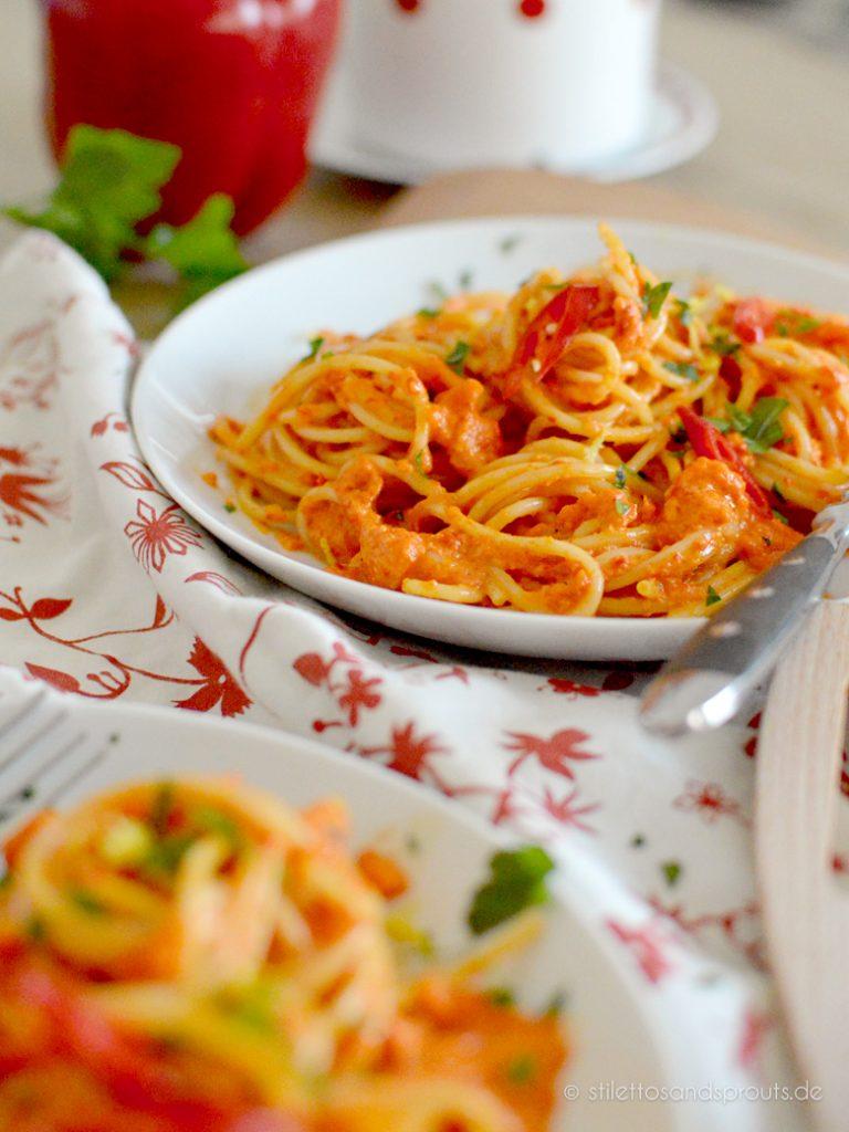 Spaghetti mit Paprikasauce