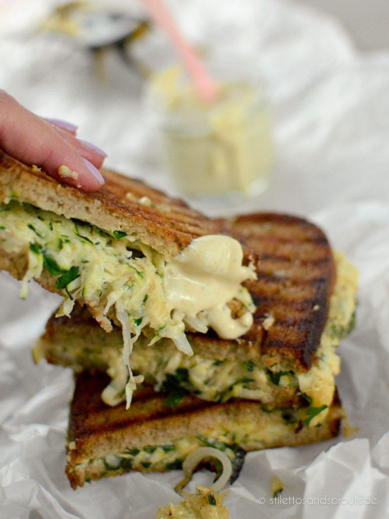 Grilled Cheese Sandwich mit White BBQ Sauce