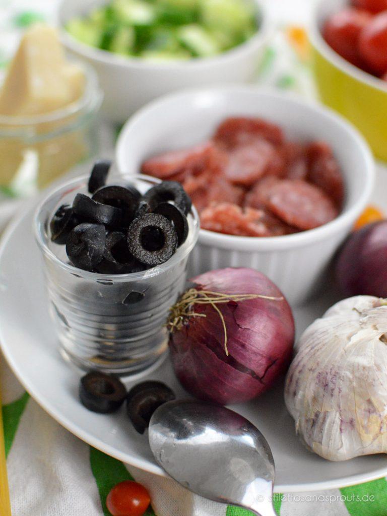 Zutaten für einen italienischen Salat