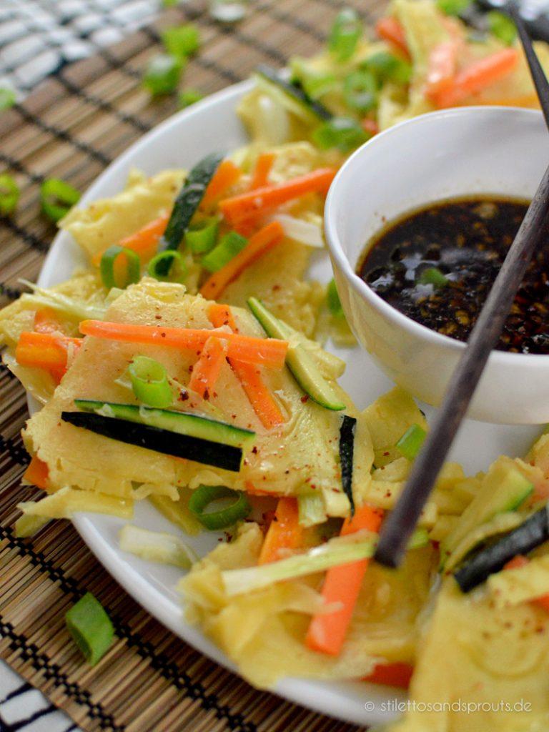 Pajeon mit Gemüse und Sojadip