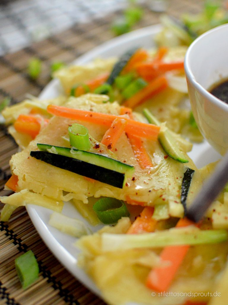Koreanische Pfannkuchen mit Gemüse