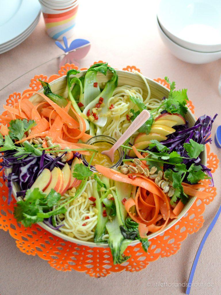 Vegane asiatische Bowl